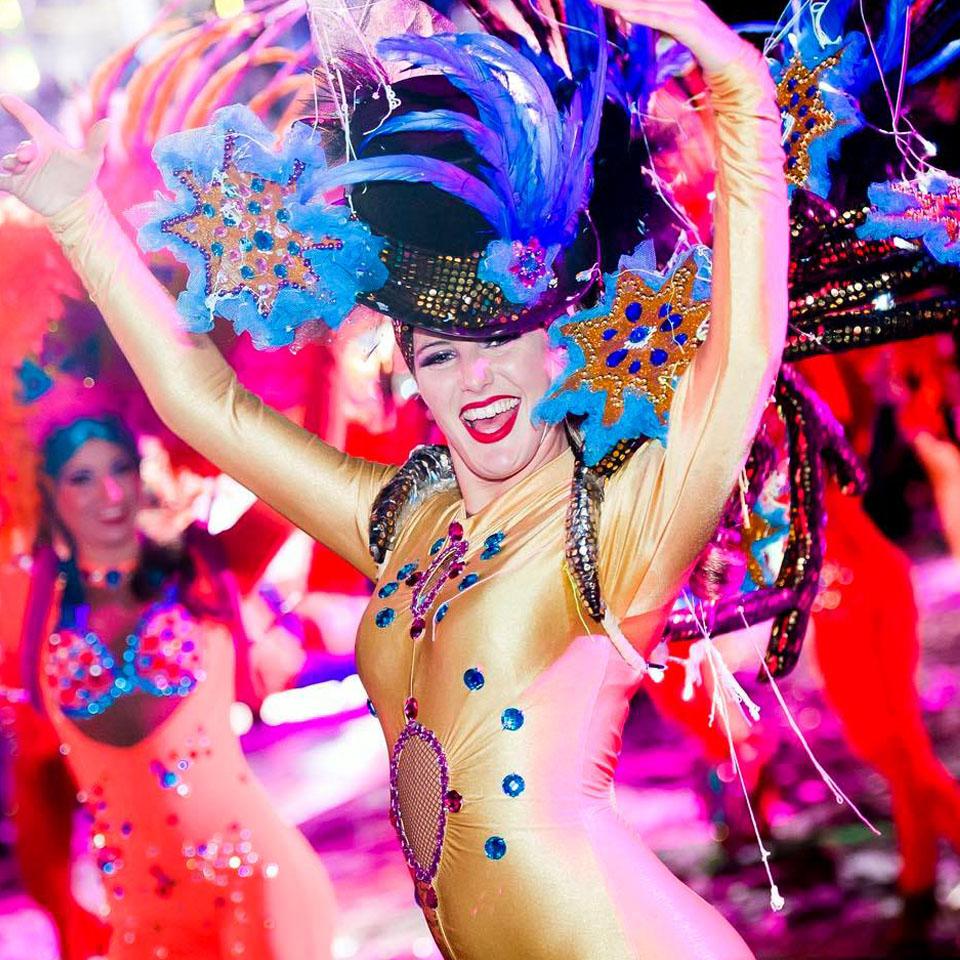 Merci M.Guillaume Eymard, Patrick Hanez, Marveloos Photos pour ces belles photos !!!! Carnaval de Nice, Février 2016.