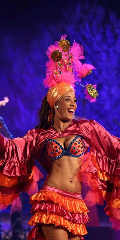 Cabaret Latino TROPICALIA, magnifique spectacle, glamour, beauté et exostisme