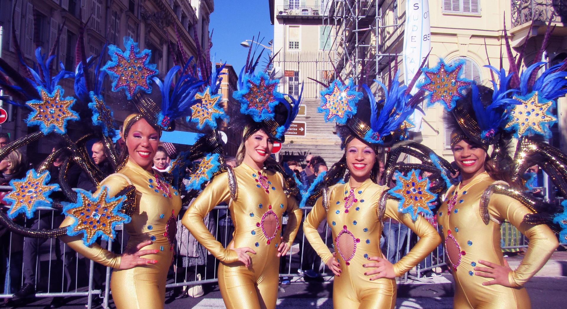 Carnaval de Nice 2016: Le Roi des Médias. COMPAGNIE CORPS ET DANSE. VIDÉOS !!! Février 2016. Carnaval Latino, Danse, Danseurs Latino